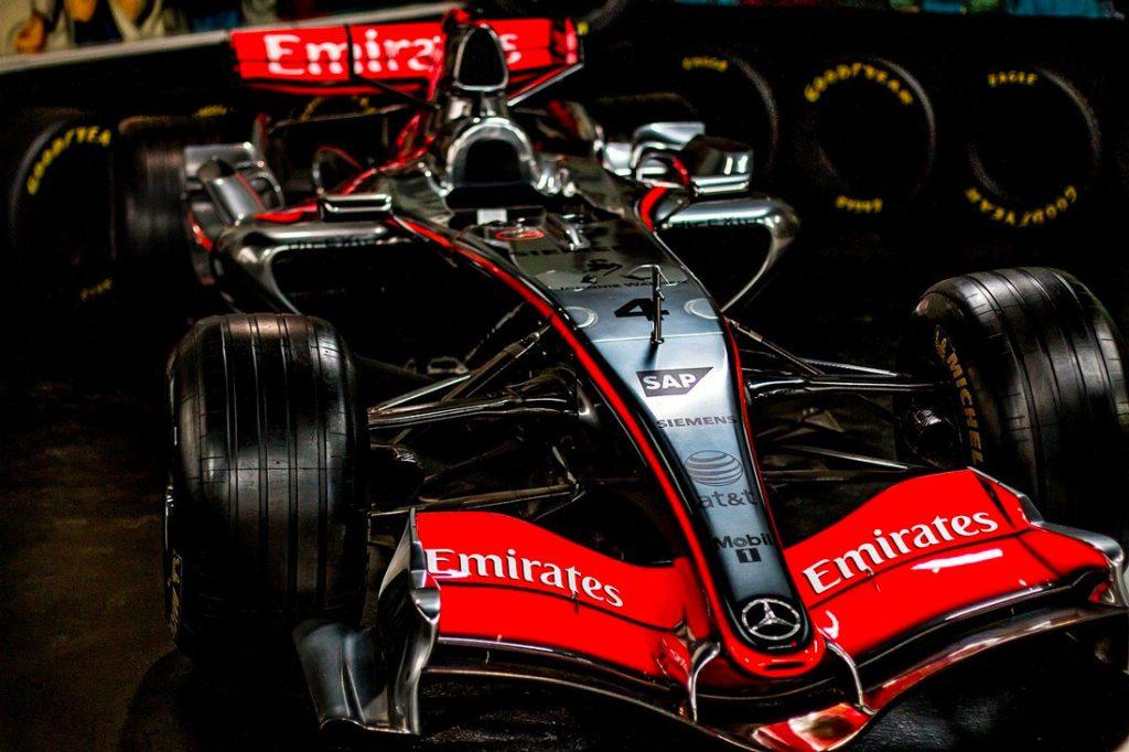 F1 automobile